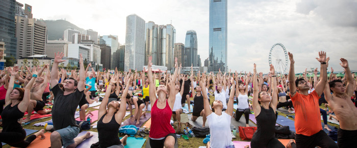 hong kong's record-breaking yoga class