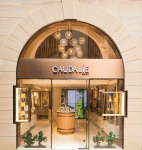 CAUDALIE_FACADE_FINAL V2 closeup-3121-CMYK-L_1000