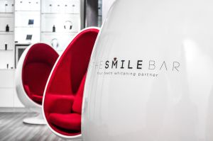 The Smile Bar - Close-up (3)